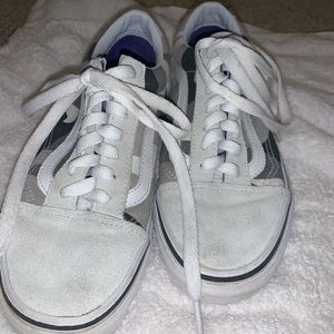 URBAN OUTFITTERS SNOW CAMO VANS